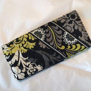 Vera Bradley Bags - EUC Vera Bradley Baroque Passport Wallet
